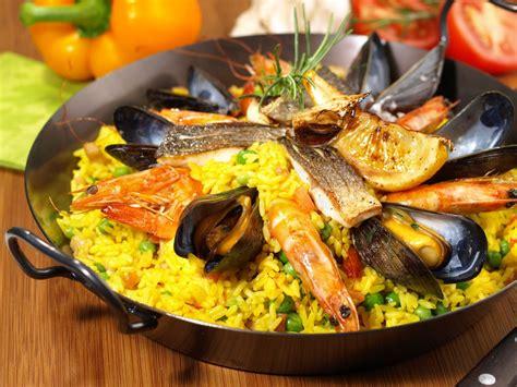 cucina spagnola paella paella al forno la ricetta per preparare la paella al forno