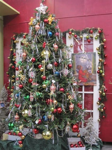 fully decorated tree  multi colored ornaments
