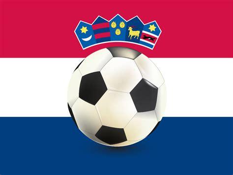 Fussball als zuschauer zu geniessen ist auch mit körperlichen einschränkungen möglich. Fussball-Ball - Kroatien