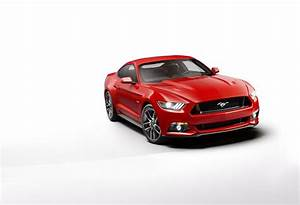 2014 Ford Mustang V8 GT Coupe The Black | Top Speed
