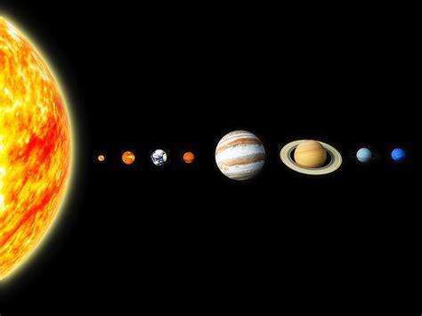 por  pluton ya  se considera  planeta muy
