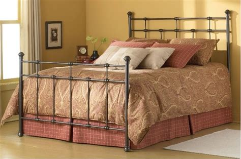 Would This Bedding Set Still Look Good With The Footboard