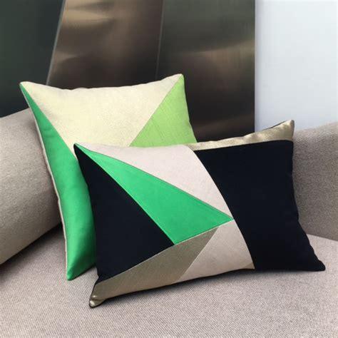 canapé coussin maison popineau une dominante verte pour vos coussins de canape design
