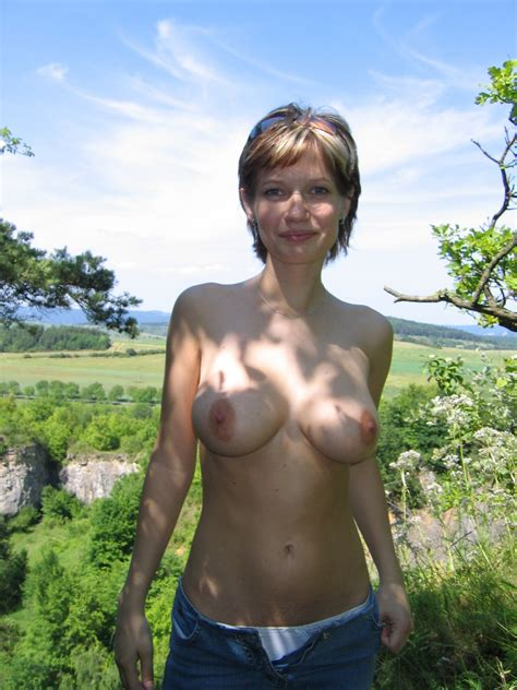 Amateur Naked Girlfriend From A Private Collection 14