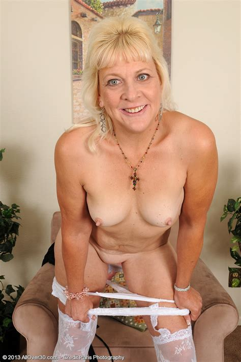 Mature Sindy Silver Strip And Caress Her Kitty Milf Fox