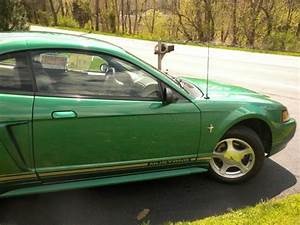 Find Used 2001 Ford Mustang Base Coupe 2