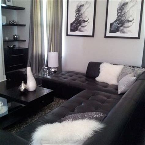 black and gray living room ideas 25 best ideas about black leather couches on