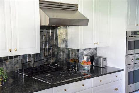 white cabinets black granite what color backsplash backsplash for white cabinets and black countertops