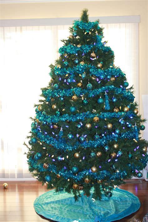 blue white christmas tree ornaments