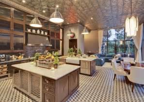 two island kitchen renner 39 s mansion is 25 million