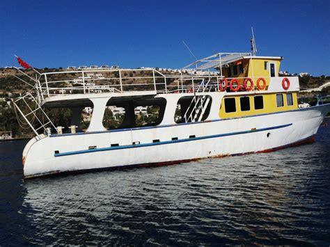 bateau moteur occasion prestige boat international navire
