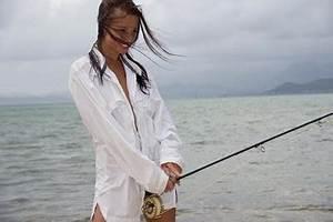 Hot Fishing Babes: Sexy Woman Fishing