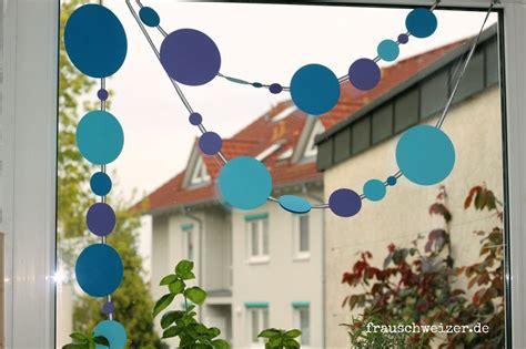 Girlande Fenster by Anleitung Fensterbild Blaue Girlande Bastelei