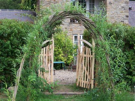 Garten Kostengünstig Gestalten by Fence House Design Selber Garten Gestalten