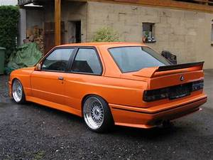 Bmw 318i E30 : 362 best images about bmw e30 on pinterest e46 m3 cars and sedans ~ Melissatoandfro.com Idées de Décoration