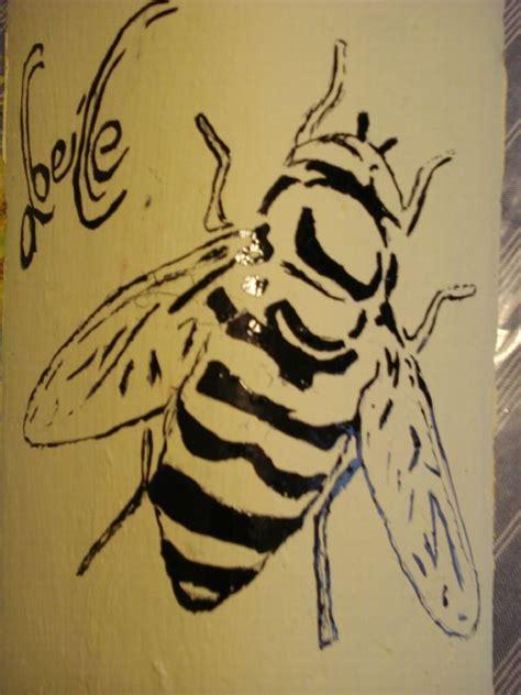 Tuile Abeille by Tuiles Peintes Peinture Sur Tuiles 2 Calinquette
