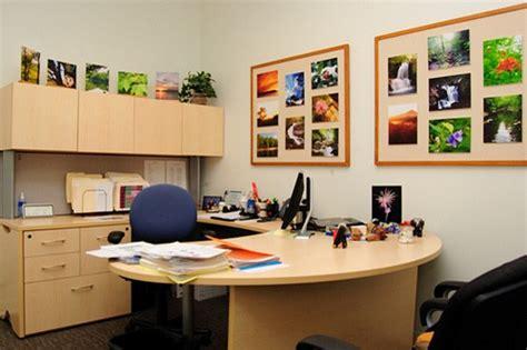desk decorations for guys desk décor decoration ideas for men 39 s desks lifestylerr