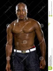 Image Homme Musclé : homme sans chemise de muscle sur un fond noir photo stock image 57681934 ~ Medecine-chirurgie-esthetiques.com Avis de Voitures