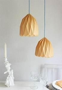 Origami Lampe Kaufen : pin lampenschirme origami papier lampenschirm lampe kusudama ein on pinterest ~ Markanthonyermac.com Haus und Dekorationen