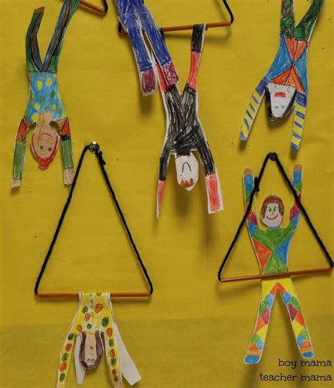 best 25 circus theme crafts ideas only on 746 | fc98927e0c67f27aa63557fe076c31c1 circus crafts preschool clown crafts