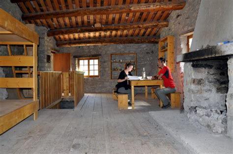 le bureau contemporain les refuges de montagne une destination à part entière