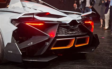 Lamborghini Egoista Concept Rear Exhaust Photo 22