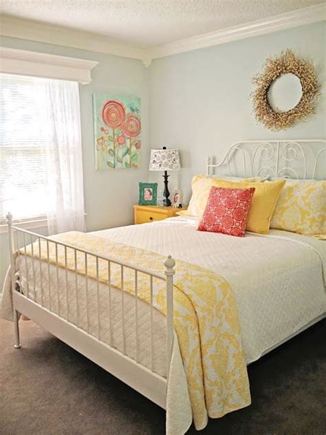 yellow and blue bedroom best 10 blue yellow bedrooms ideas on pinterest 17894 | 942695f73cd20c627e67d763c0e3a48a vintage bedrooms interior colors