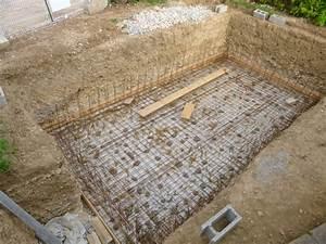 construire une piscine en beton construction d 39 une With charming comment installer une piscine hors sol 11 le banchage des blocs de la piscine