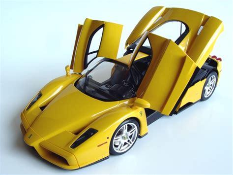 The model inside the box. Tamiya/Acu-STion 1/24 Ferrari Enzo