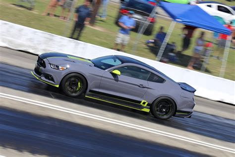 Fans Swarm Mustang Week 2017's New Drag Racing Venue On Day 3