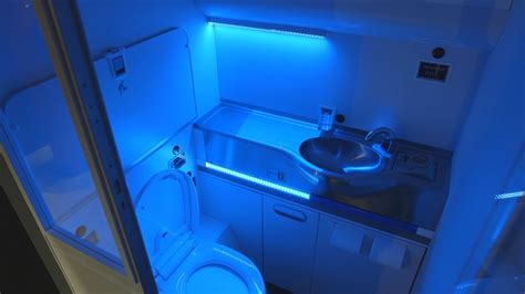safe touch disinfecting surfaces  retail  uv light