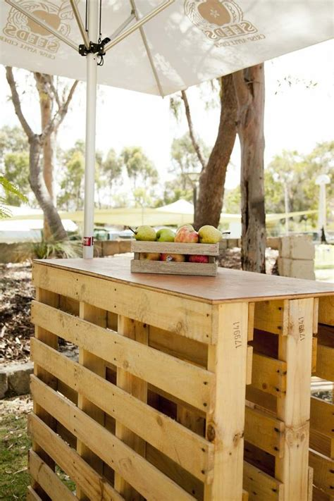 canapé en palette plan salon de jardin palette bois fabrication avantages