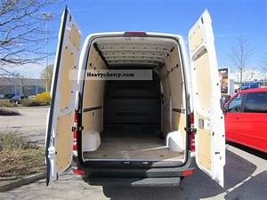 Mb Sprinter 313l : mercedes benz ka 313 l parktronic 2011 box type delivery van high and long photo and specs ~ Medecine-chirurgie-esthetiques.com Avis de Voitures