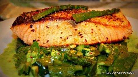 cuisiner asperges recette saumon aux épices et légumes avec sa crème de pois
