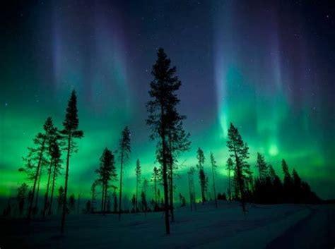 chasing  lights   photograph  aurora borealis