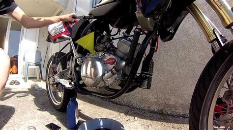 tuto 2 vidanger l huile de bo 238 te moteur minarelli am6 youtube