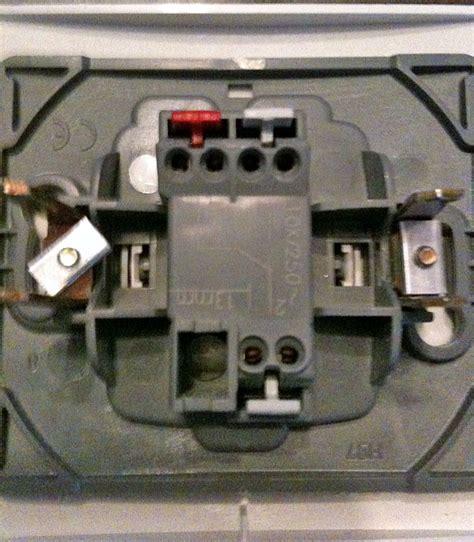 interrupteur salle de bain conseils branchement interrupteur meuble salle de bain questions r 233 ponses branchement 233 lectriques
