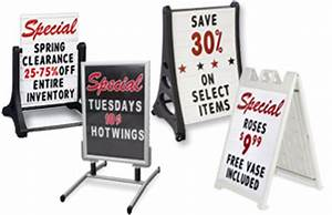 letter boards are available in wall mounting and free With display board with changeable letters