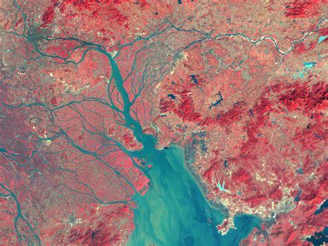 SVS: Landsat Changes Over Time: Pearl River China (False