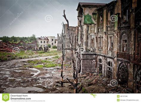 war devastation fear russia scenery wet dirty home
