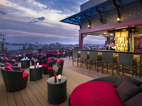 hotels    rooftop bars bookingcom