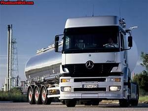 Mercedes Poids Lourds : et les poids lourd ca interesse quelqu 39 un page 111 camions poids lourds utilitaires ~ Medecine-chirurgie-esthetiques.com Avis de Voitures