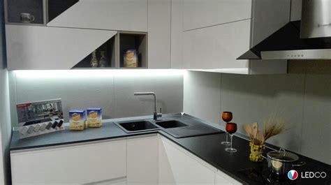 Negozi Illuminazione Bari by Illuminazione Per Showroom Di Cucine Bari Ledco Italia