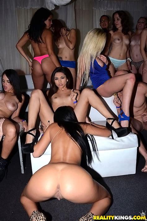 hot college girls are having group sex milf fox