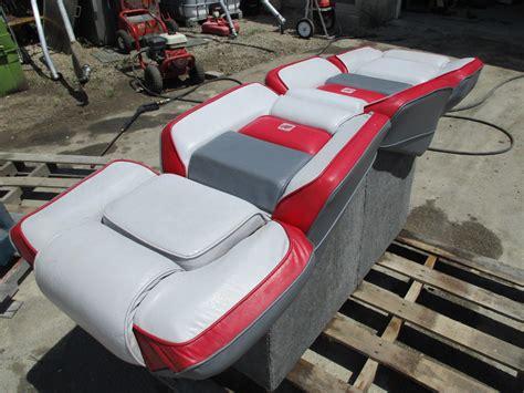 Four Winns Boat Seats For Sale by 1989 Four Winns Sun Downer Boat Back To Back Seat Base
