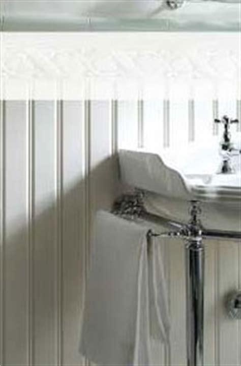 Ceramic Wainscoting - wainscoting and tile on