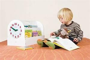 Ikea Aufbewahrung Kinder : aufbewahrung im kinderzimmer mit b cherkiste aus holz von tidy books ~ Watch28wear.com Haus und Dekorationen