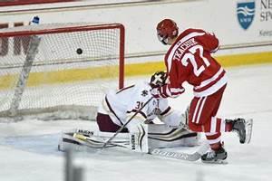 Men's hockey begins second half of season against Maine ...