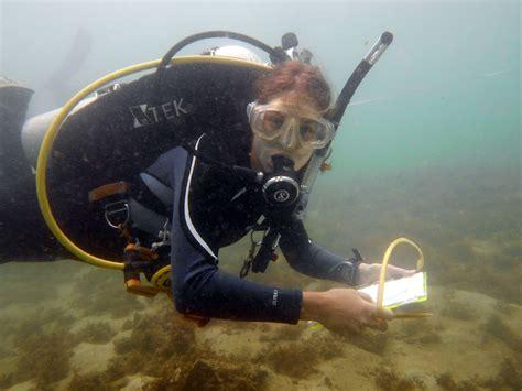 scuba careers   underwater archeologist