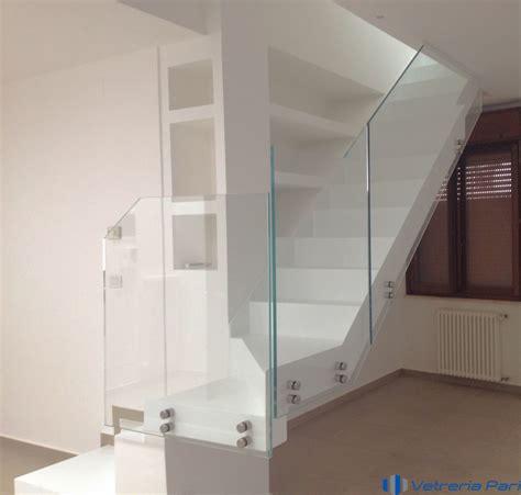 corrimano in vetro per scale parapetti balaustre balconi vetreria a rimini vetreria